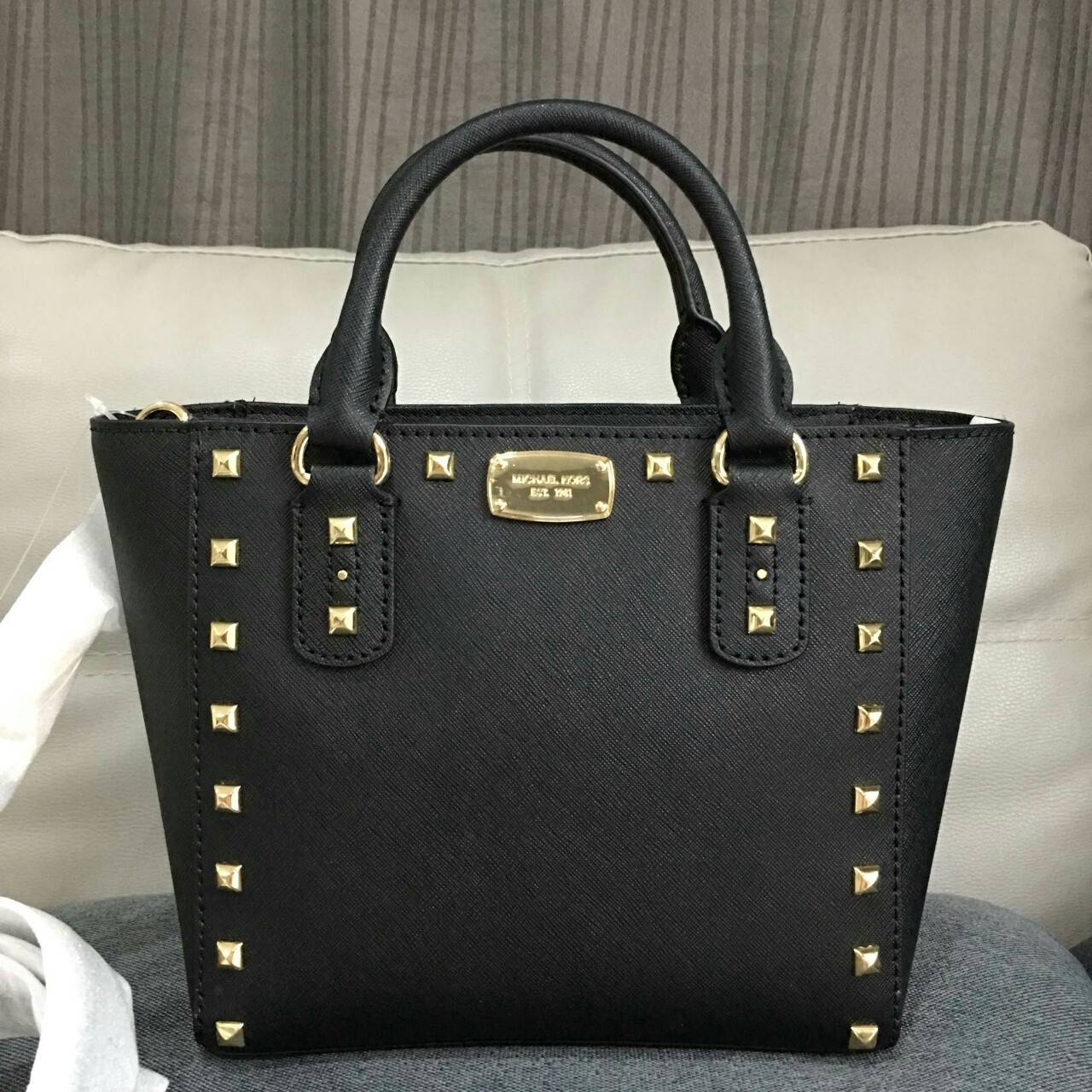 huge inventory drop shipping new lower prices MICHAEL KORS SANDRINE STUD LEATHER SMALL CROSSBODY 35S7GDAC1L