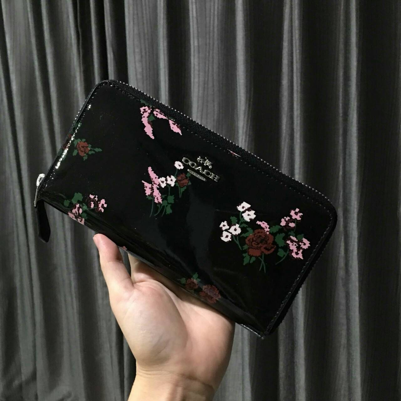 best loved 12b51 128ab Coach F26294 Cross Stitch Floral Print Patent Leather Accordion Zip Wallet
